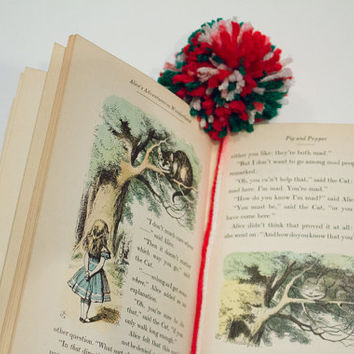 Pom Pom Bookmark, Bookmark, Christmas Bookmark, Crochet Bookmark, Pom Pom Christmas Bookmark, Gifts for Book Lovers, Gifts for Readers, Pom