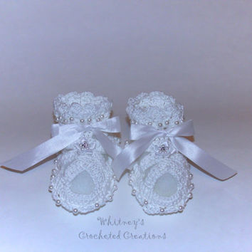 crochet baby christening shoes, baptism, photo prop, baby sandals, pearls, ribbon, rhinestone flower, easter, baby booties, new baby gift