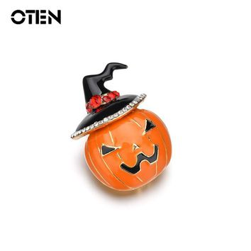 OTEN 2018 New Fashion Halloween accessories kawaii pumpkin witch pins dress Party chic small brooches twig vintage jewelry