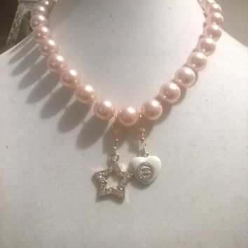 """Beautiful18"""" Designer Runway Pearl and Crysal Charm Chain Necklace"""