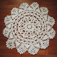 White Cotton Crochet Doily Lace Rug, Round Area Rug, Carpet, Floor Mat, Nursery Rug, Throw Rug, Accent Carpet, Wedding Gift, Boho Chic Decor