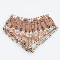Spell Barbarella shorts in daisy chain print