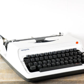 Rare Olympia Olympiette CURSIVE Model S12 Portable Typewriter // Working