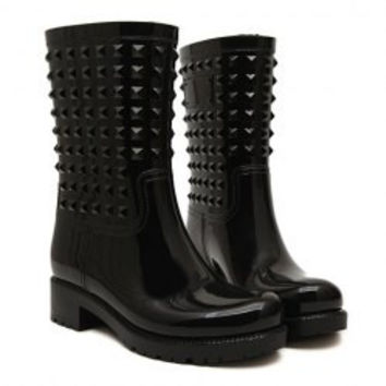 Trendy Women's Rain Boots With Solid Color and Rivets Design