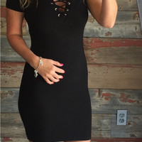 Crossing Lines Ribbed Dress: Black