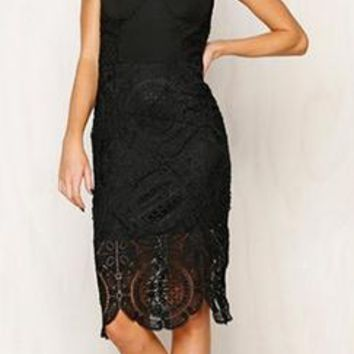 Anything Goes Black Spaghetti Strap Sleeveless Bustier Scallop Lace Bodycon Midi Dress