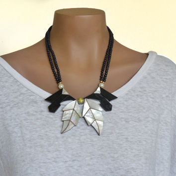 80's Vintage Necklace Mother of Pearl Leaves Black Beads