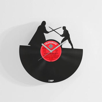 Star Wars wall clock from upcycled vinyl record (LP) | Hand-made gift for Star Wars fan | Star Wars home wall decoration, accesory, present
