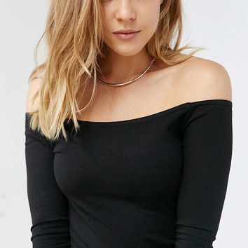 Ecote Ainsley Off-The-Shoulder Top - Urban Outfitters