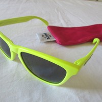 Oakley frogskins Sunglasses Neon Yellow w/ gray lens very rare