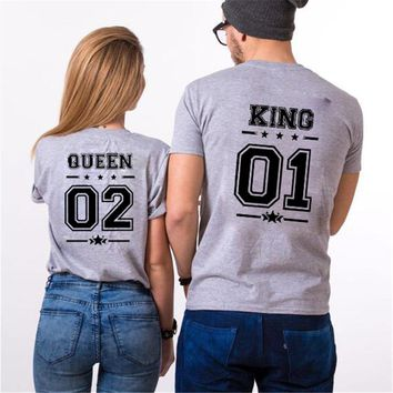 Cool KING 01 QUEEN 02 Matching T-Shirts His and Hers Casual Outfit Tee Tops Hipster Fashion Couple Shirts Men Women Letter T ShirtAT_93_12