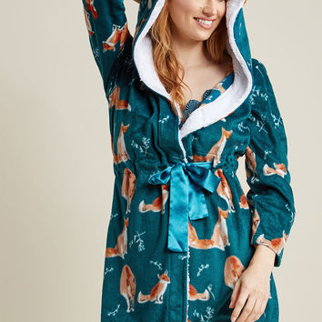 Fleece Robe with Hood in Foxes
