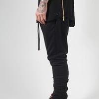 BLACK JOGGER WITH ZIP DETAILING