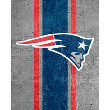 New England Patriots Otterbox Alpha Glass Case for iPhone 8, iPhone 7 & iPhone 6s/6