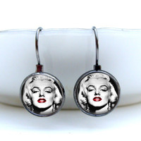 Marilyn Monroe Earrings : Red Lips