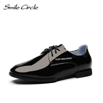 Smile Circle 2018 Spring Patent leather Oxford Shoes Women Round Toe Lace-Up flats Shoes White black yellow Casual Shoes