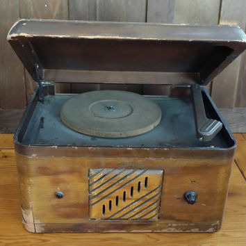 Vintage Rustic Wood Automatic Record Player Table Top Console