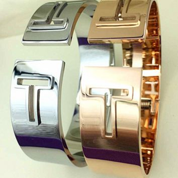 Tiffany The fashionable letter of Europe and the United States exaggerated bracelet female titanium plated rose gold open hand ring girl adorn accessories gift.