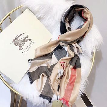 Burberry Classic Popular Women Men Comfortable Cashmere Cape Scarf Scarves Shawl Accessories