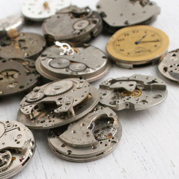 Huge Vintage & Antique Watch Movement Lot - 20 Clock Pieces for Parts, Jewelry Making - Swiss, Bulova, Elgin / Round Steampunk Supplies