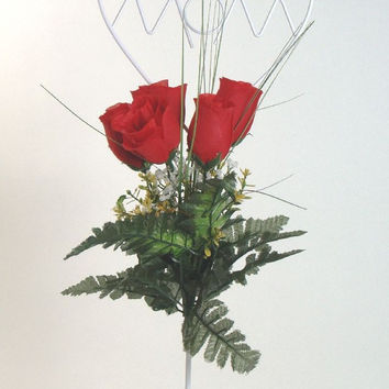 Mom Decorative Wire Stand with Red Roses