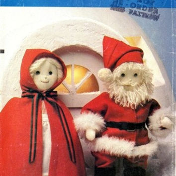 Vogue Pattern 8442 Mrs. and Mr. Santa Claus Christmas Decoration Stuffed Rag Dolls Holiday Decoration Uncut