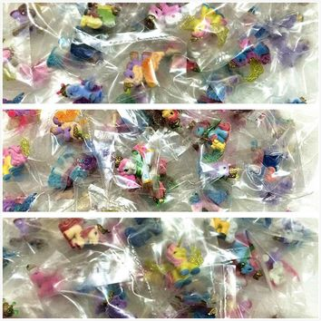 AILAIKI 30pcs/lot Simba Filly Little Horse 3CM Mini Horses Kids Animal Dolls Butterfly Witchy Stars Unicorn ect. Mixed Styles