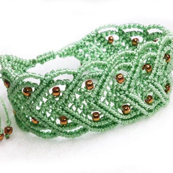 Green Micro Macrame Bracelet, green thread and gold beads
