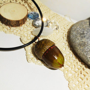 Oak acorn, Natural oak, acorn pendant, natural acorns, kiss acorn necklace, lucky acorn necklace, Peter Pan kiss necklace, Peter Pan jewelry