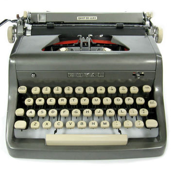 1955 Royal Typewriter Quiet DeLuxe  / Charcoal Gray / Original Case / Vintage Metal Ribbon Spools