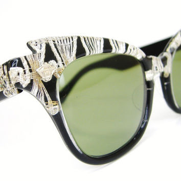 Vintage 50s White Black Cat Eye Sunglasses Eyewear