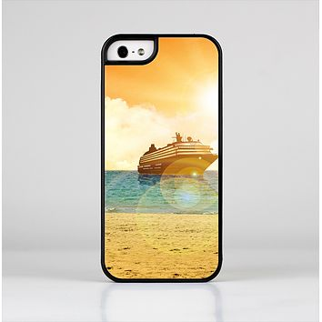 The Vintage Cruise ship at Dusk Skin-Sert for the Apple iPhone 5-5s Skin-Sert Case