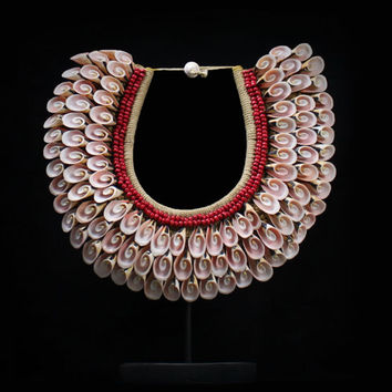 Pink Curled Shell Necklace Statement Accent Natural Papua Tribal Ceremonial Neck Adornment Elegance Fine Jewelry For Wearing/Colecting