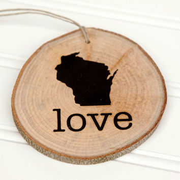 Wisconsin Love state shape Maple wood slice ornaments - Set of 4.  Wedding favor, Bridal Shower, Country Chic, Rustic, Valentine Gift