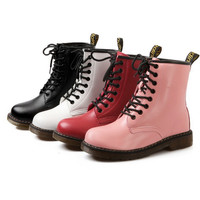 Joker short cone round entered with Martin boots boots