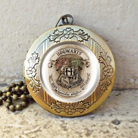 Hogwarts crest Harry Potter vintage pendant locket necklace - ready for gifting