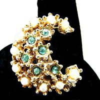 Vintage 50s Crescent Moon Accent Pin