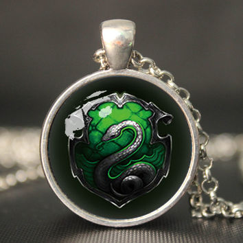 harry potter salazar slytherin snake pendant necklace,house of hogwarts school of witchcraft and wizardry   vintage pendant
