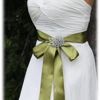Green bridal sash, crystal sash, ribbon sash, rhinestone belt, wedding accessory, bridal belt, bridesmaid belt
