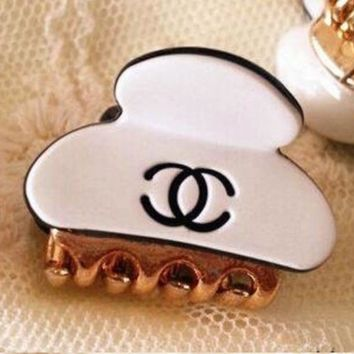 DCCKJ1A Chanel LV fashionable lady sells noble hair clip