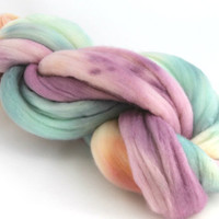 Superwash spinning fibre top sliver - Merino - hand dyed - 100gr - 'A Little Less Saturation'