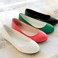 Fashion Plain Round Toe Slip-on Women Ballet Flats Plus Size 34-47 Spring Autumn Women Flats Ladies Casual Closed Toe Flat Shoes