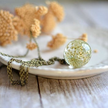 Pressed flower botanical necklace- White Queen Anne's Lace Flower, bridal jewelry, sphere necklace, gift under 45,