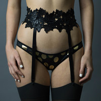 Maple Moon Garter Belt