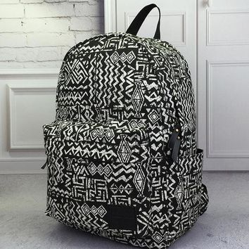 ONETOW Vintage Aztec Canvas Lightweight Backpack Travel Bag School Bag Daypack