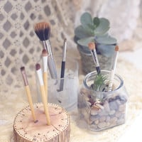 Fun Ideas For Storing Makeup Brushes