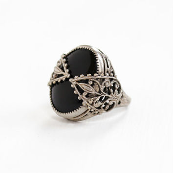 Vintage Silver Tone Simulated Black Onyx Art Deco Filigree Ring - 1930s Size 5 Jet Black Glass Stone Hallmarked Nemco Costume Jewelry