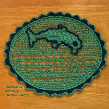 Diving Dolphin Filet Crochet Nature Art Doily --- Dolphin Art --- Nature Inspired Art - Wildlife Art - Dolphin Patch - Dolphin Pendant