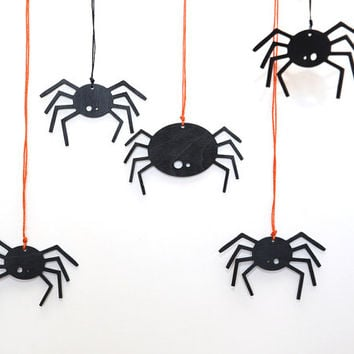 Black scary spiders -  Halloween wooden decor - Home decorations -