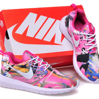 Nike Roshe Run (Floral Garden Print Leaves White/Pink)